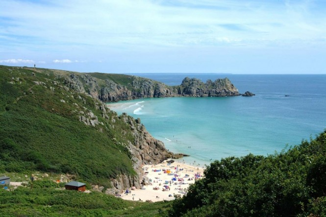 Porthcurno-beach-and-Green-Bay