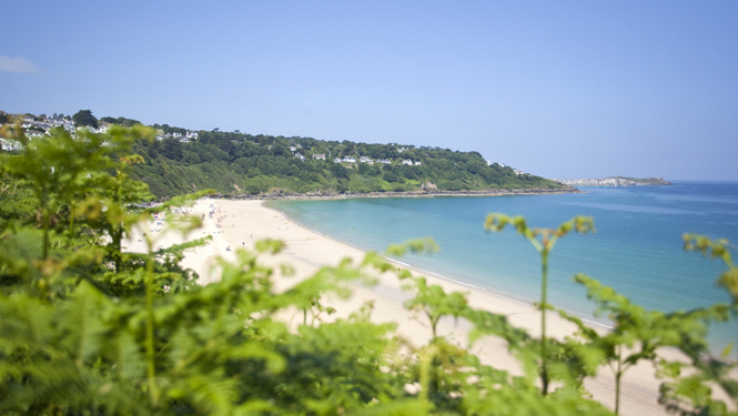 Carbis-Bay-in-July