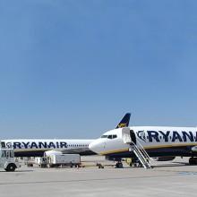Frankfurt-Hahn_Airport_Ryanair_by_RaBoe