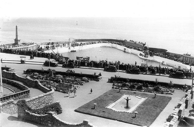 Jubilee-Pool-Opening-Day-1935