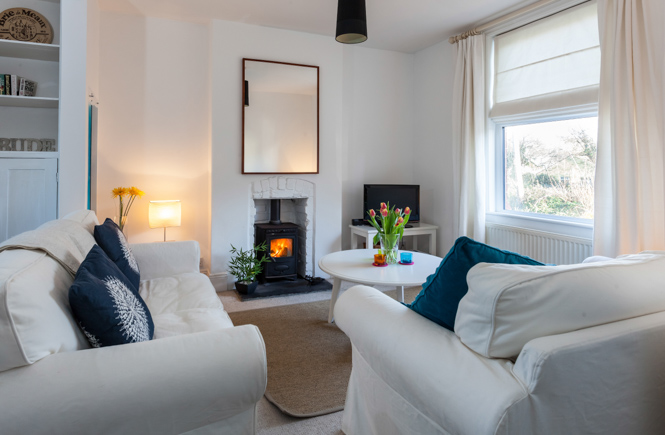 Properties-With-Woodburners-Little-Hollabury